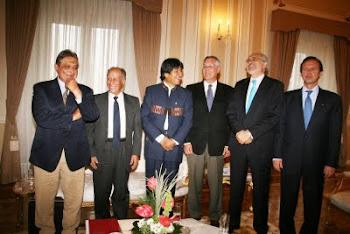 relajados se mostraron los seis personajes en la reunión sobre el Mar para Bolivia