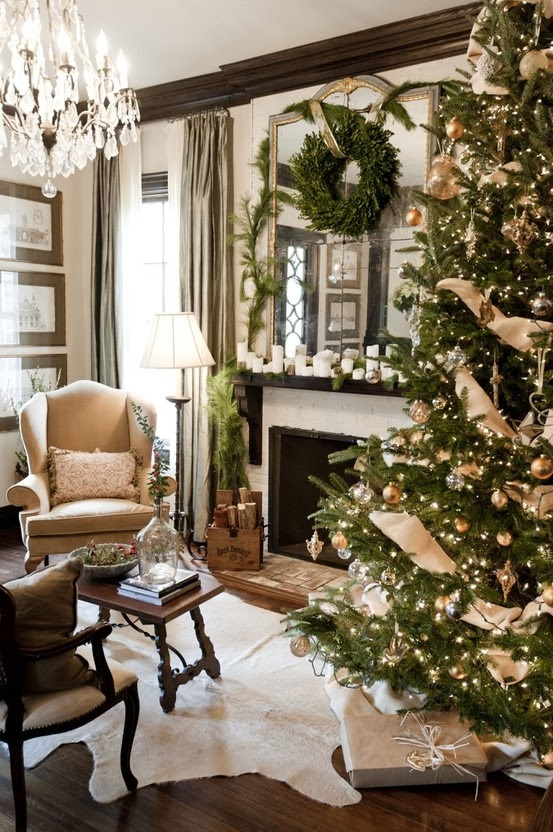 Crafty texas girls 12 ideas for christmas decorating with - Decorating ideas using burlap ...