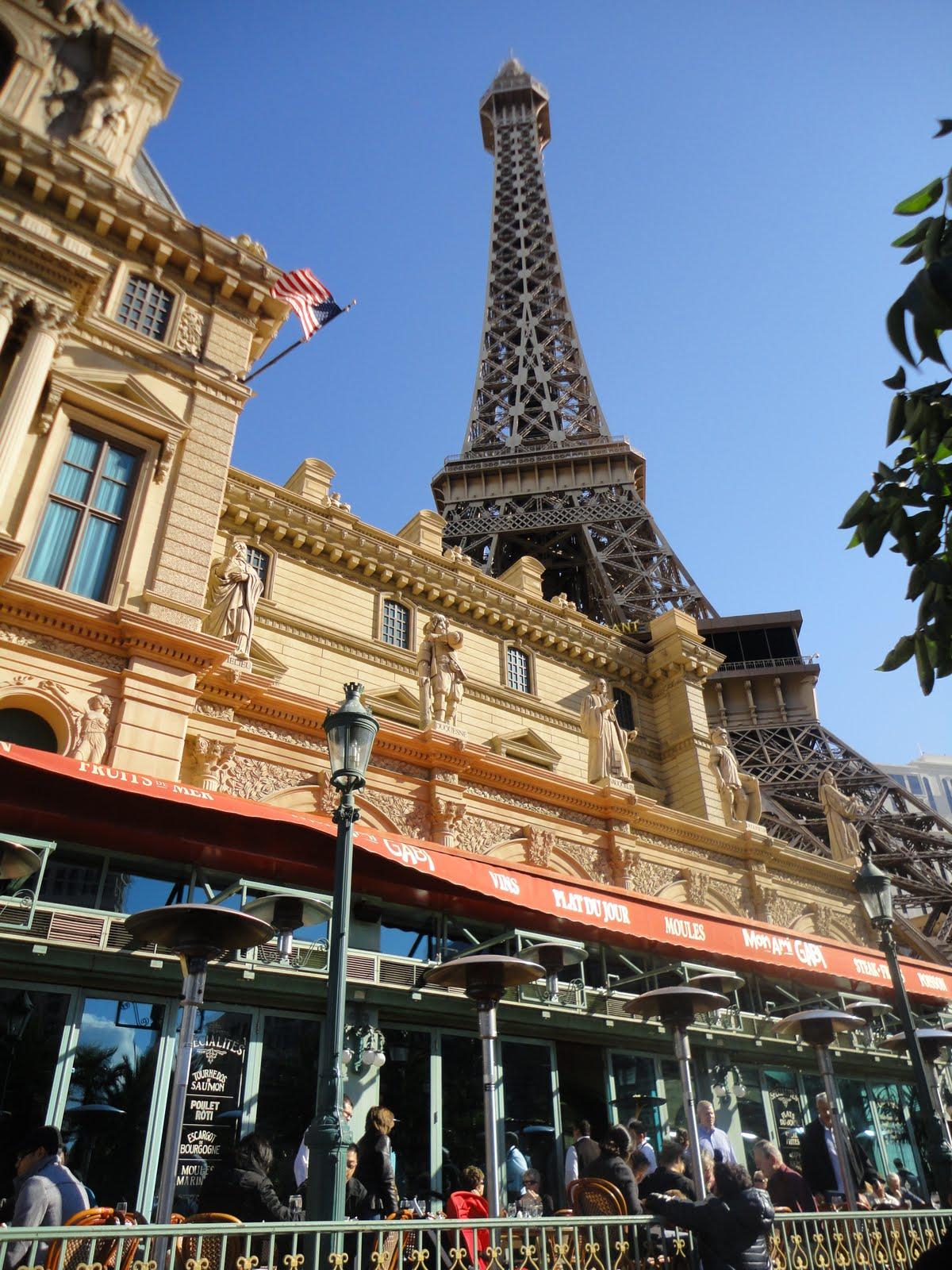 las vegas paris hotel eiffel tower view