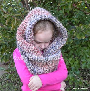 Swirls and Sprinkles: crochet cozy cowl pattern