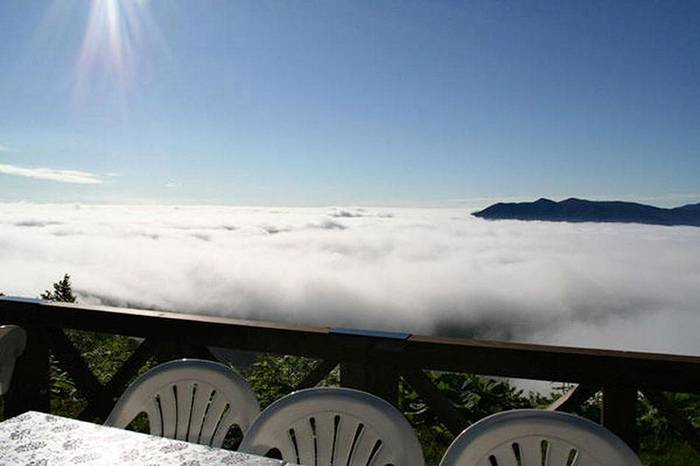 http://4.bp.blogspot.com/-BG1ShY5XCgM/UaSfeLmpZRI/AAAAAAABJao/p2RAAvlNyY4/s1600/Terrace-Unkai-Cloud-Resort-012.jpg