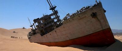 Escena de un barco en el desierto de Encuentros en la Tercera fase