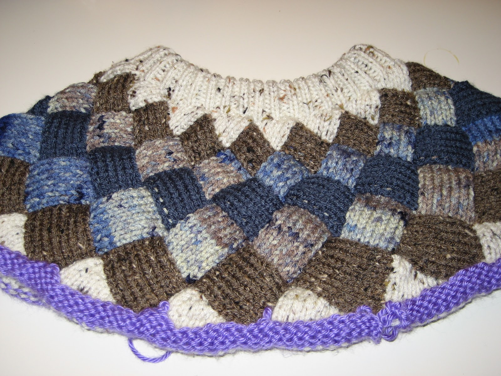 Diana natters on about machine knitting yoke for steves sweater bankloansurffo Image collections