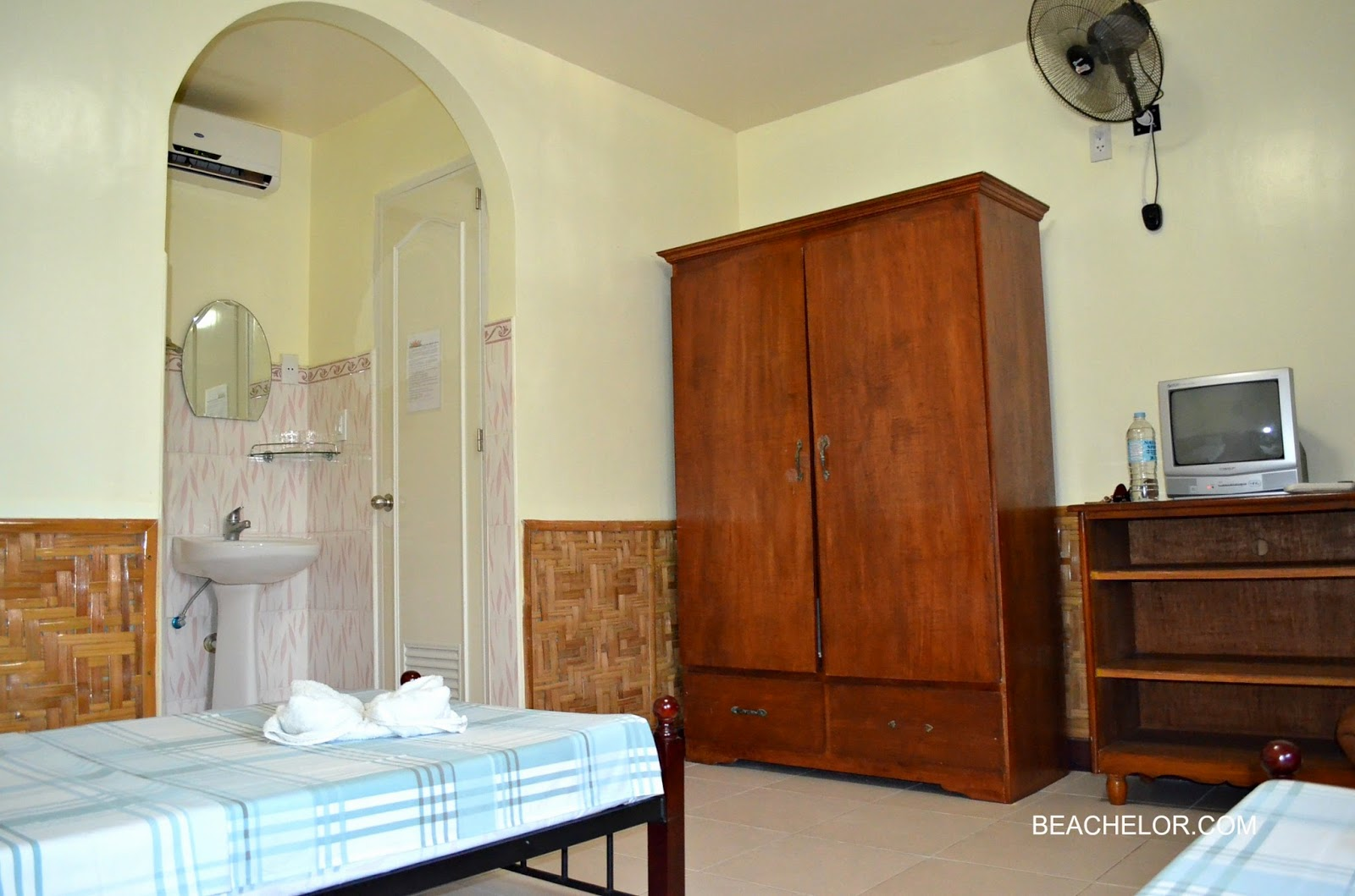 photo of our room at coucou bar hotel bantayan island