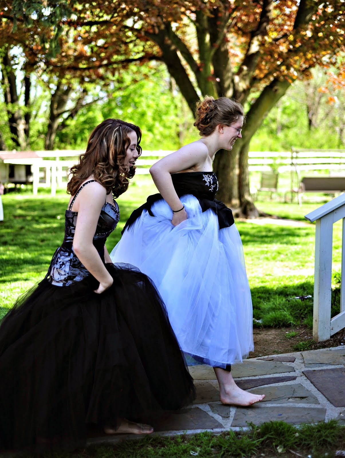 how to dance with a girl at prom