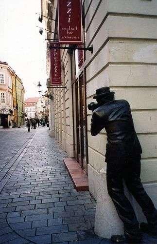 أغرب 10 تماثيل فى العالم Wfeet-com16155176e5