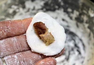 Vietnamese Food - Chè Bột Lọc bọc Thịt Heo Quay