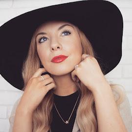 Katie Murnane | 27 | kent