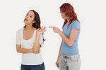 Taktik Ampuh Membuat Temanmu Agar Mau Mendengarkanmu, Startegi dan tips memperkokoh Hubungan asmara, Cara memperkokoh persahabatan, tips menjadi seorang sahabat sejati, tips menjalin huubungan pada jenjang serius, tips hubungan berfikir dewasa