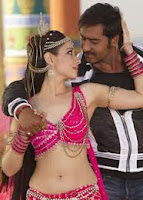 http://spicy-jet.blogspot.com/2013/01/tamanna-hot-navel-in-hindi-movie.html