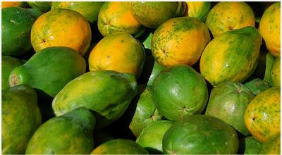 papaye-sur-un-marché