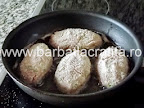 Parjoale moldovenesti preparare reteta chiftele in tigaie, pe plita