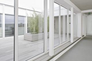 Instalación de cortinas de cristal