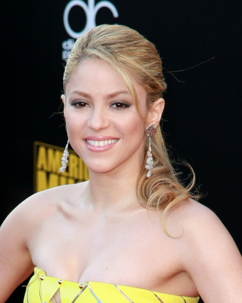 shakira | hd wallpapers (high definition) | free background
