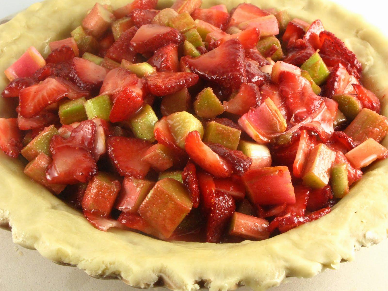 Keeping it Simple (KISBYTO): National Strawberry Rhubarb Pie Day