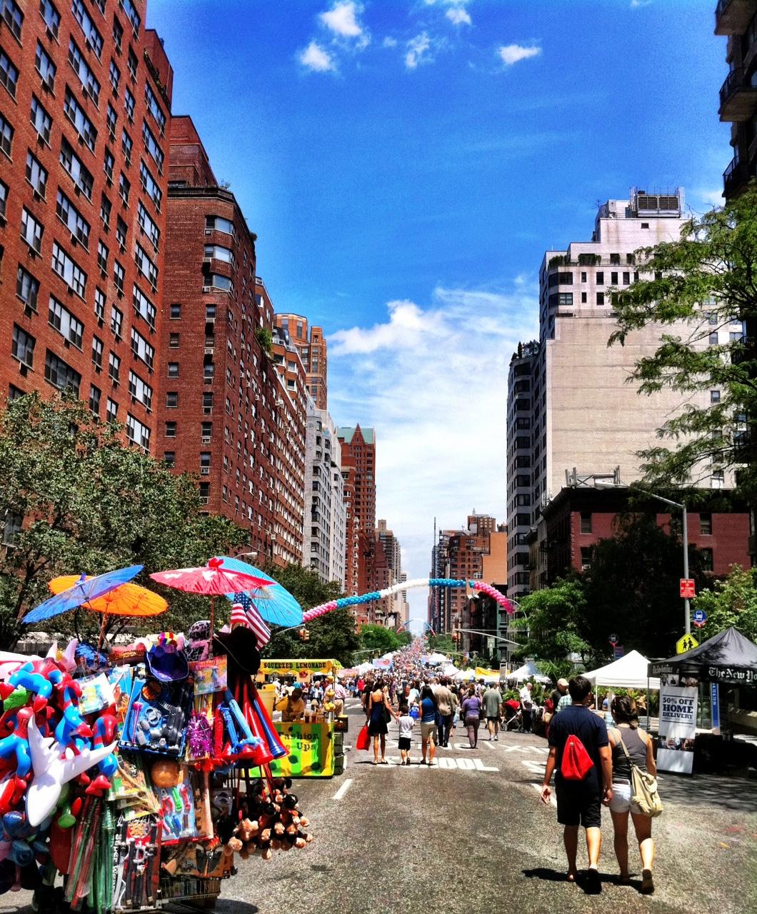 Manhattan Chamber Of Commerce Street Fair On Third Avenue