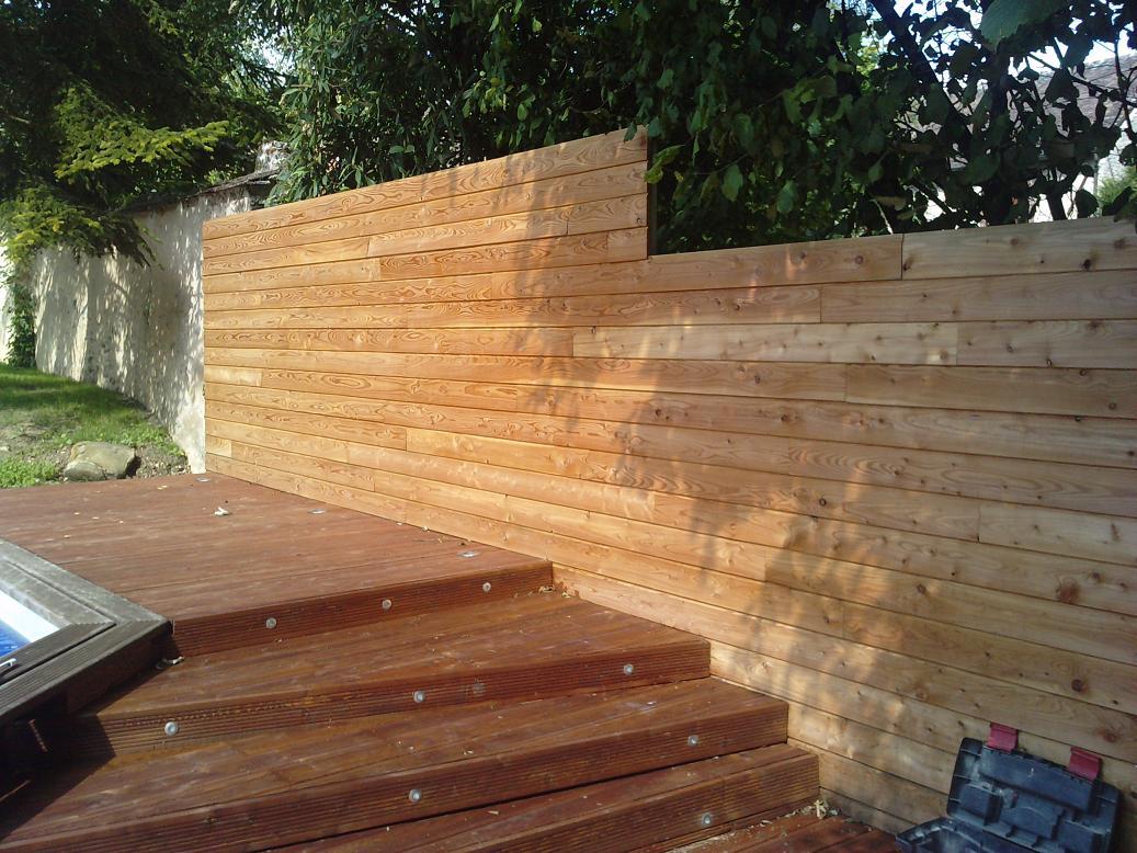 Pose terrasse bois meleze diverses id es de conception de patio en bois pour for Peinture terrasse bois