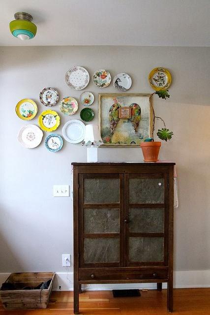 Inspiraci n de fin de semana platos en la pared etxekodeco - Platos decorativos pared ...