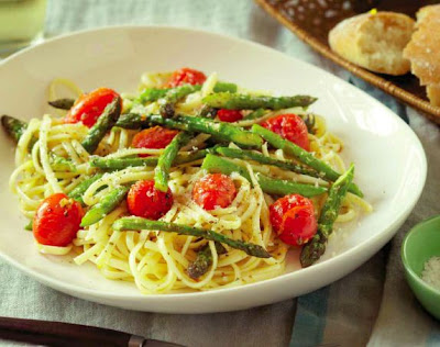 Linguine with Roasted Asparagus and Cherry Tomatoes