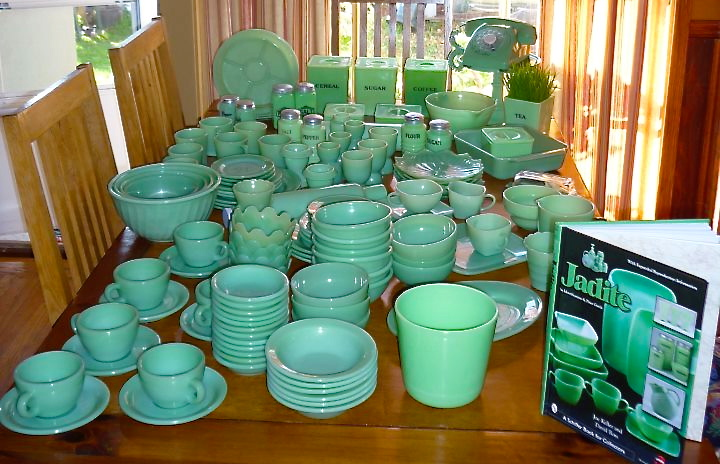 I definitely display my jadeite proudly but using it is most fun for me. As you can see in these photos I use them to hold many things. & Good Things by David: Collecting Jadeite