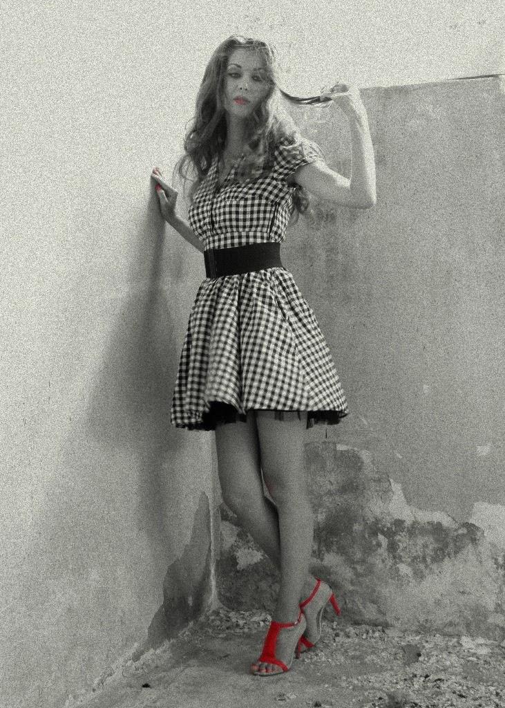 rochie vintage anii 50