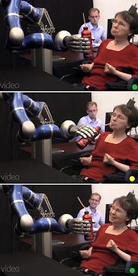 KOMBINASI gambar yang disiarkan pada Rabu lalu menunjukkan Hutchinson menggerakkan tangan robotik dengan menggunakan mindanya.
