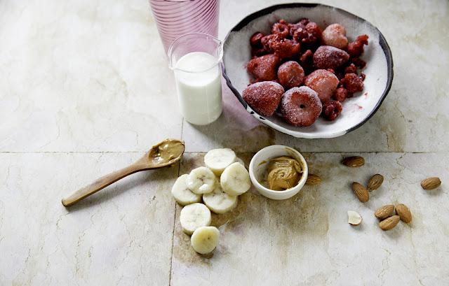 Fruit + Nut Smoothie
