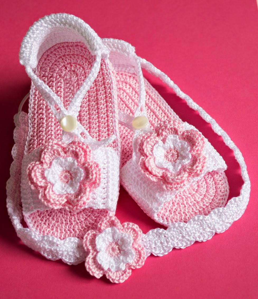 La aguja del Sur: Sandalias rosas con diademas de ganchillo para bebé