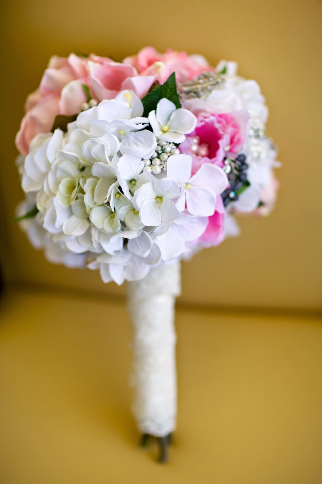 diy pink bridal brooch bouquet