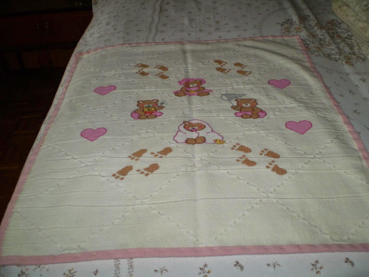 Aghi fili e fantasia le creazioni di elisa copertina rosa for Come costruire un aggiunta coperta