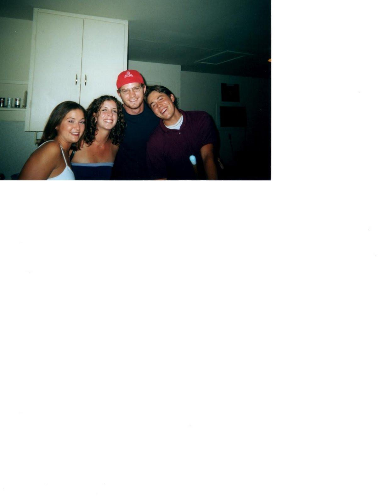 http://4.bp.blogspot.com/-BJqojSISWbU/TkrYZxBEvWI/AAAAAAAAEgA/4hZ8Mr5Qhjc/s1600/chsfriends.JPG