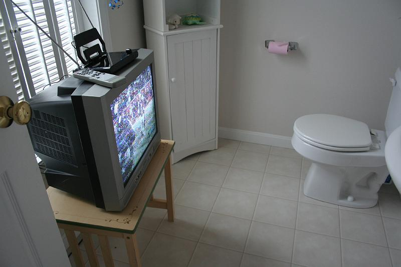 Denis Kochnev Creative Washroom Advertising -> Commode Tv But