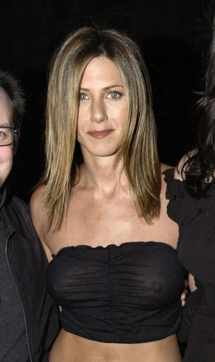 Jennifer Aniston Seethrough Nipples In A Black Top