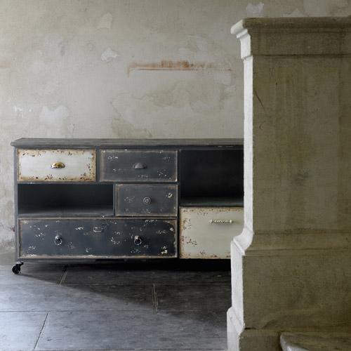 la fabrique d co meubles de classement tiroirs le card catalogue dans la d co. Black Bedroom Furniture Sets. Home Design Ideas