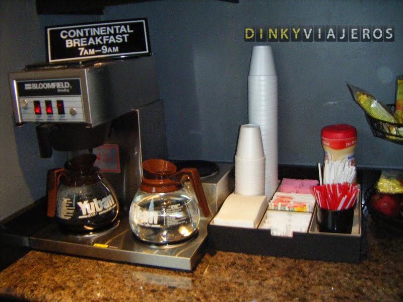 Hotel Rodeway Inn, Hollywood (Los Angeles). Desayuno