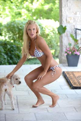 Jenny McCarthy sexy bikini photoshoot