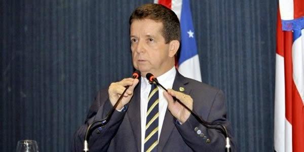 Deputado quer estatizar cabaços e pirocas; a minha vai continuar privatizada