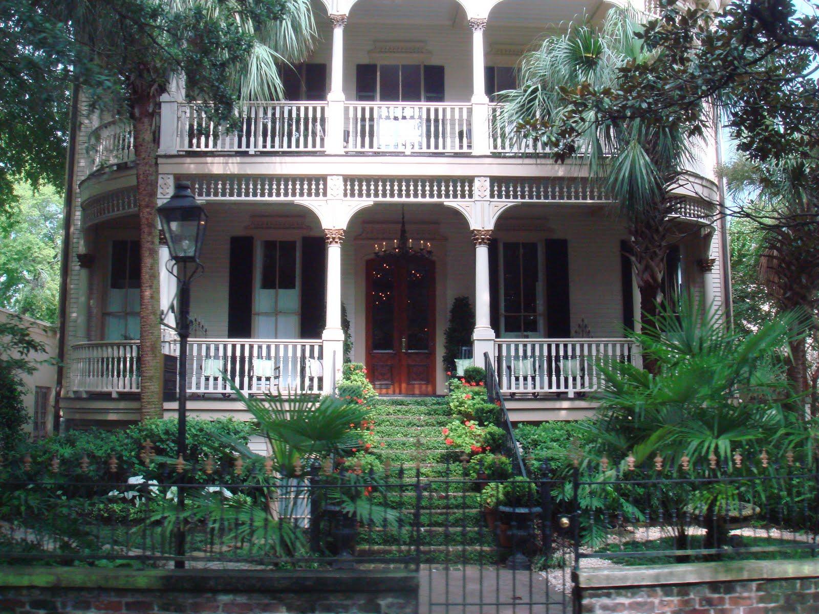 Holly burda bp 14 iar 221 for Historic houses in savannah ga