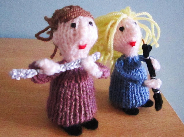 knitted oboe