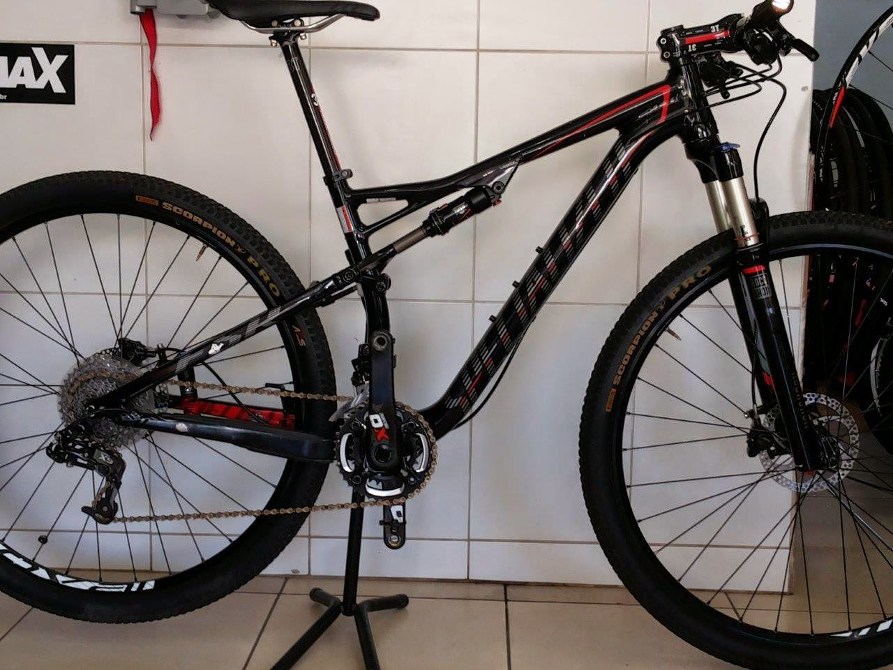 3a7ca41e11dd8 Mural de Aventuras  Classificados  Bike Epic Comp, black red, aro 29, semi  nova, modelo 2014.