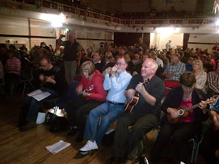 crowd at grand northern ukulele festival