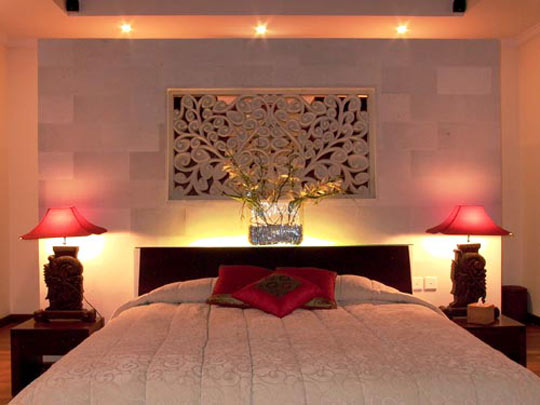 Bedroom design decor romantic master bedroom decorating for Bedroom wall designs for couples