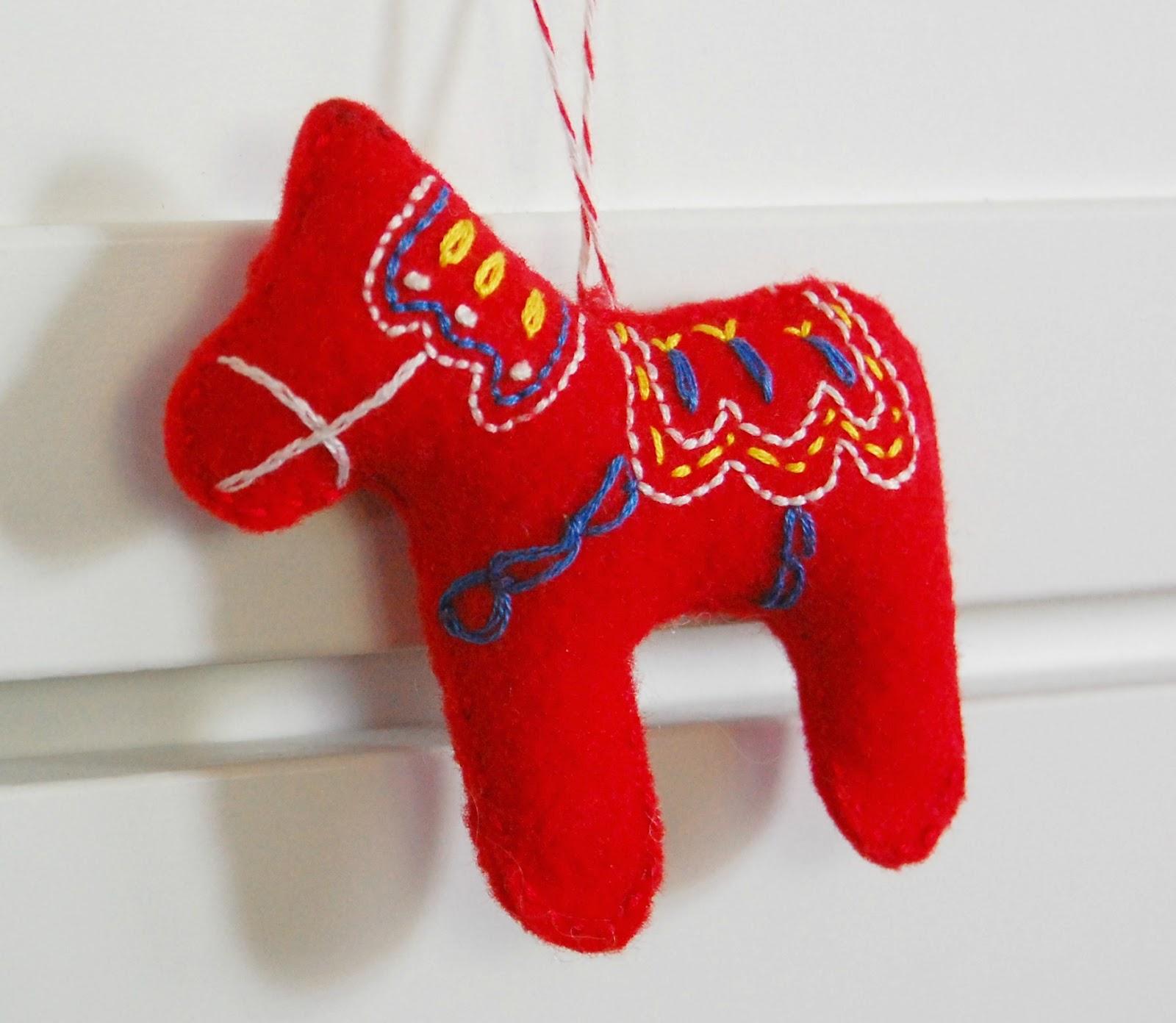 Лошадь на новый год своими руками