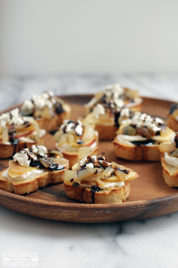 French Onion & Apple Crostini with #AEDairy - Handmade in the ...