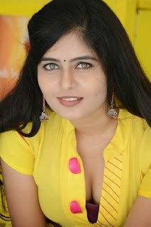 Actress Madhumitha Pictures at Cut Chesthe Audio Success Meet  0001.jpg