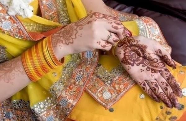 Mehndi For Dp : Bridal hands display pics awesome dp