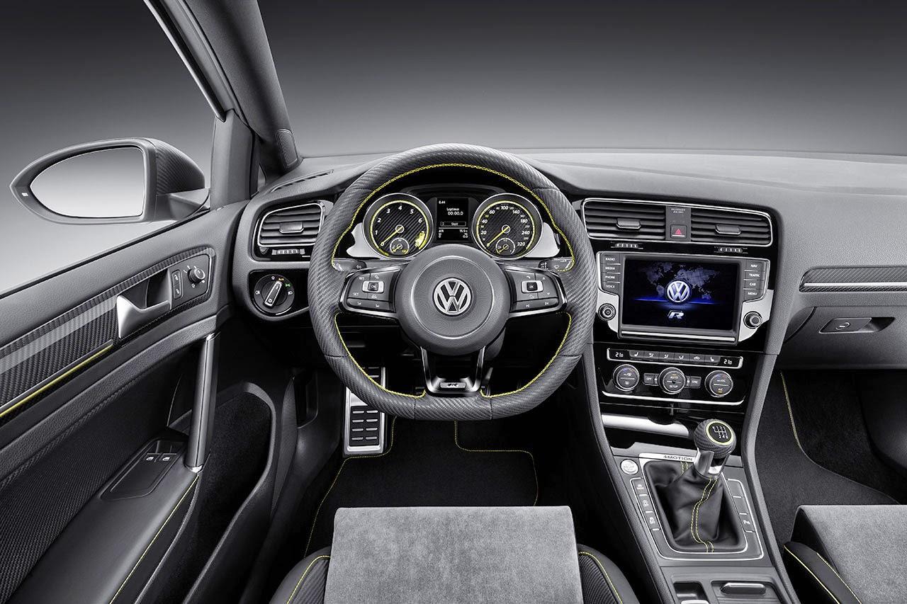 400 PS Four-Wheel-Drive Golf R 400 Concept dash
