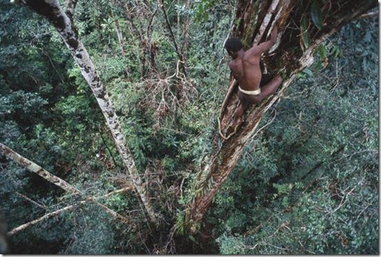 Suku Paling Primitif & Aneh Di Dunia