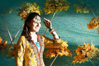 Latest Bridal Mehndi Dresses 2013 & Hairstyle Fashion Trends
