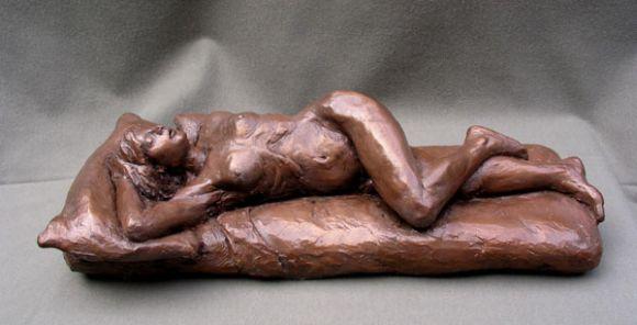 Michael Alfano esculturas corpos nus bronze cobre